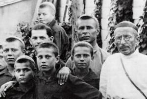 Система воспитания в коммуне им. Ф.Э.Дзержинского - Справочник студента